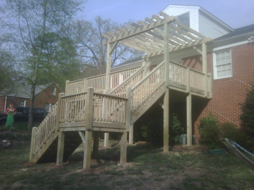 12&#039; x 24&#039; Deck with trellis