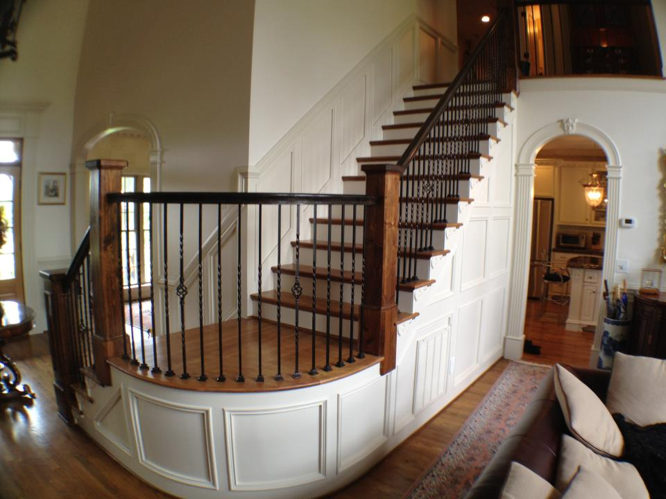 Rounded Staircase with custom Waincoating